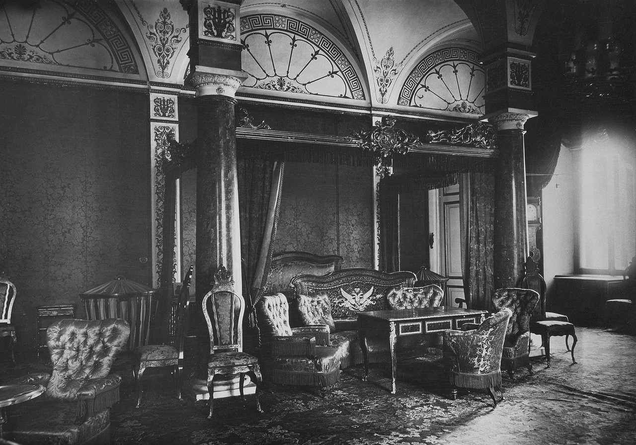 Winter palace 1917