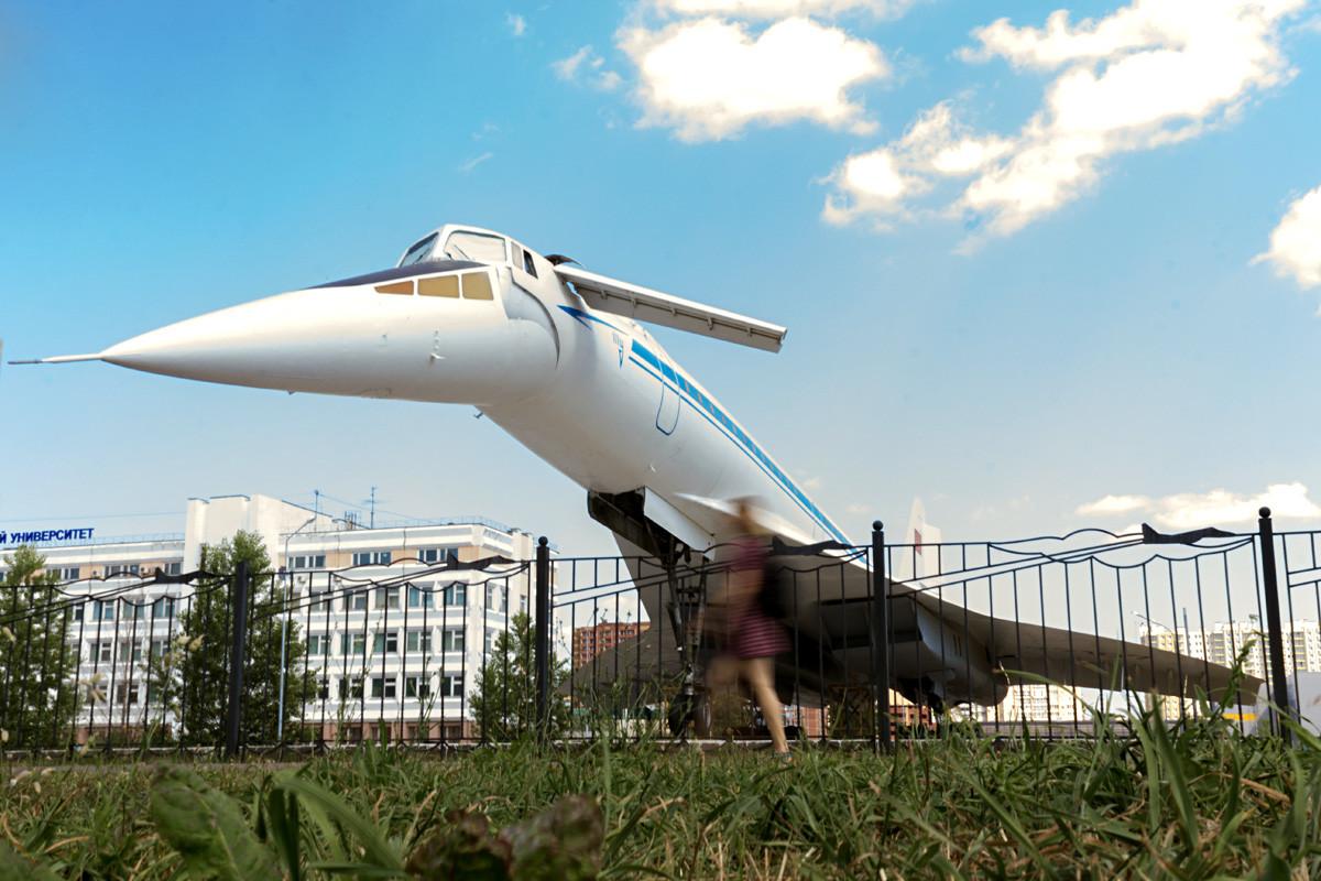 Tupolev-144