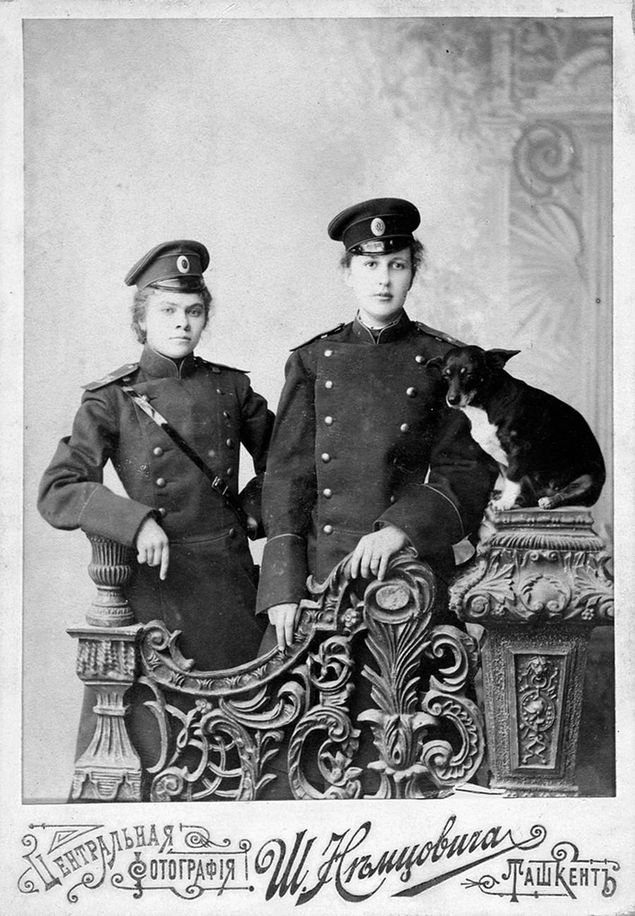 Russian girls of 1900-10s