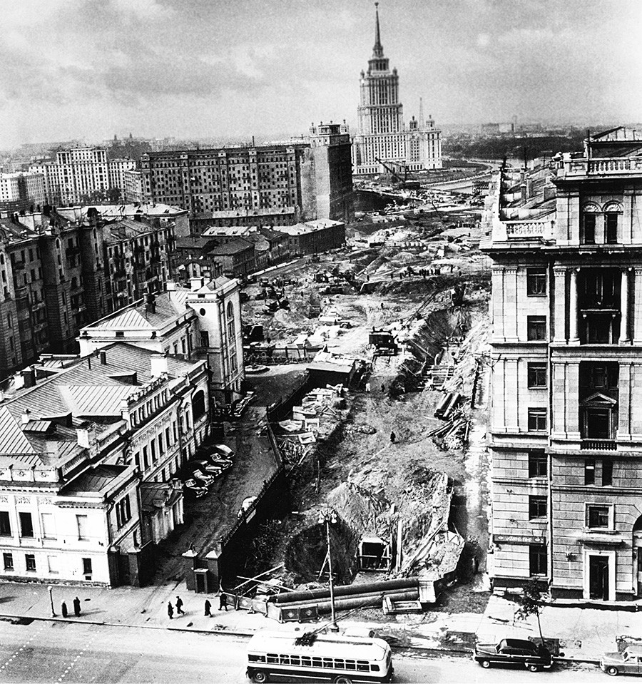 Reconstruction of Moscow