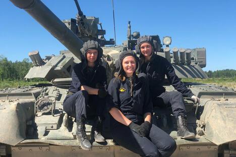 Women tank drivers