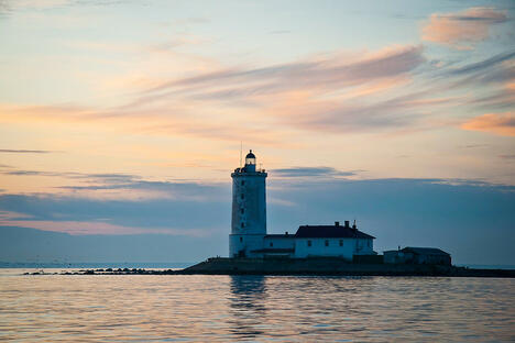 Tolbukhin lighthouse, Gulf of Finland