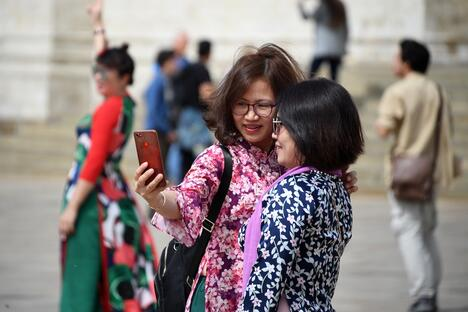 Chinese tourists in Moscow