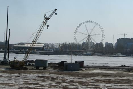 """阿穆尔河上俄罗斯自己的""""黄金水道""""正要动工。摄影:Artem Zagorodnov"""