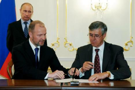 俄罗斯石油公司和埃克森-美孚签署协议。摄影:RIA_Novosti