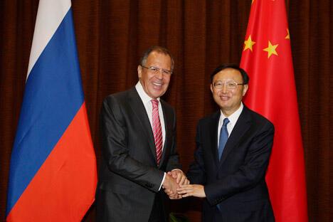 俄罗斯外交部长拉夫罗夫和中国外交部部长杨洁篪,摄影:AP