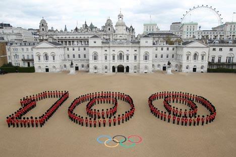 图中:2012伦敦奥运会倒计时100天,伦敦市中心骑兵队的庆祝仪式。摄影:路透社 (Reuters)