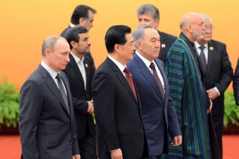 参加2012年上海合作组织元首理事会会议的各国领导人。摄影:路透社 (Reuters)
