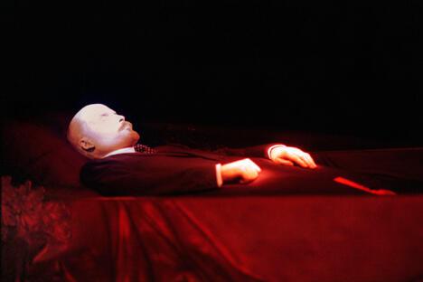 列宁墓主要且唯一的展品——遗体。摄影:俄通社-塔斯社