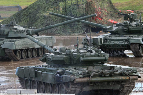 """""""阿尔马塔""""新型坦克开始成批生产将意味着俄罗斯装甲坦克工业史新阶段的开始。图片来源:塔斯社"""
