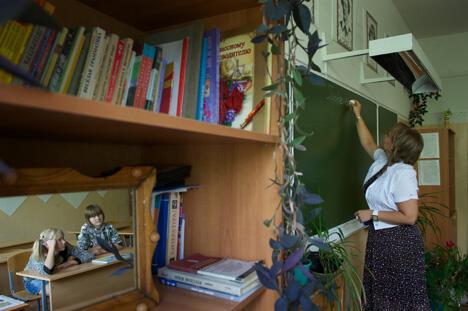 图中: 阿拉•莫谢夫尼娜老师是道德楷模,图片来源:《生意人报》