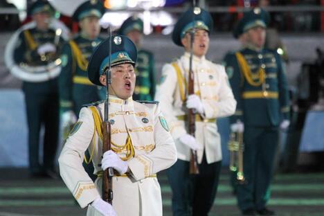 图中:中国的军乐队呈现自己的精彩节目。摄影:Ricardo Marquina