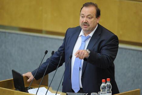 如果9月12日根纳季·古德科夫被剥夺议员资格,那么该案将成为俄罗斯议会下院历史上的第二件。图片来源:塔斯社