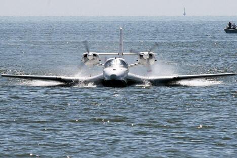"""一旦向中国开始批量供应""""别-103"""",它的唯一竞争对手就是中航工业石家庄飞机工业有限责任公司自己生产的水陆两栖飞机""""海鸥-300""""。图片来源:俄新社"""