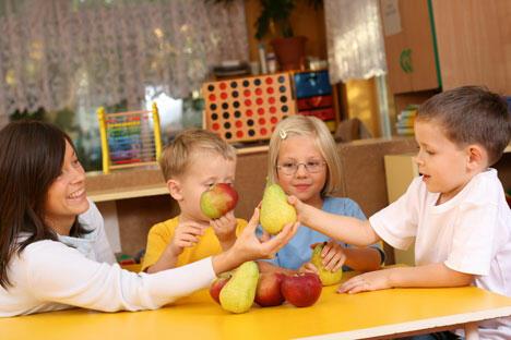 在2004年的9月27日,俄罗斯设立了幼儿教师和学前教育工作者日。这个节日的目的是吸引社会对幼儿园及学前教育的关注。图片来源:PhotoExpress