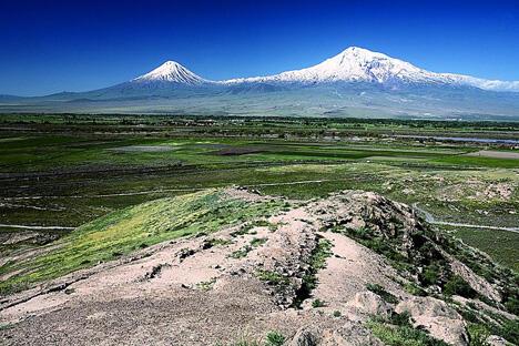 """1829年10月9日,人类第一次登上了""""圣经中的山峰"""" —— 阿勒山的西北主峰(5165米)。摄影:Mediacrat"""