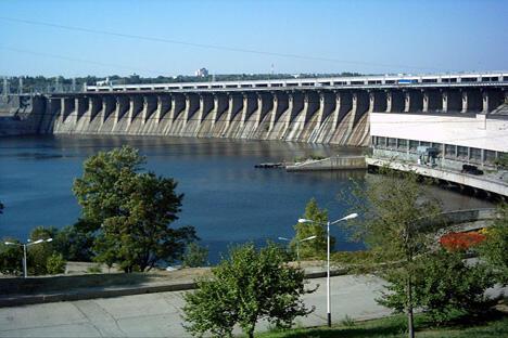"""美国报纸《纽约晚间邮报》写道:""""第聂伯水电站的建设是科技的胜利,每个国家都应该为此感到骄傲。""""摄影:Vladimir Gook"""