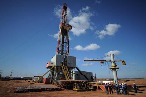 用于奥伦堡州瓦希托夫斯科耶气田的钻井设备,在奥伦堡州开采天然气。图片来源:俄新社