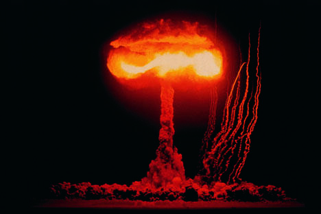 据美国观测站数据,爆炸后的蘑菇云高达64公里。图片来源:GettyImages