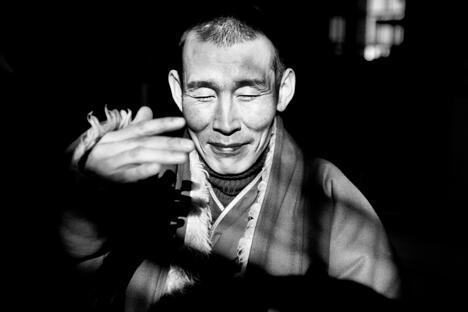佛教吸引俄罗斯人的地方在于它绝对不追求主宰世界,它对其他信仰持友善的态度,无私、务实、反对教条、反对极权、反对家长作风,至推崇信任和友谊。图片来源:《俄罗斯记者》杂志