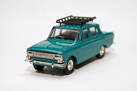 """""""莫斯科人-408""""轿车模型, 比例1:43。图片来源:塔斯社"""