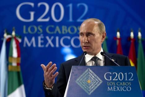 俄罗斯总统普京在墨西哥洛斯卡洛斯举行的20国集团首脑峰会上。图片来源:AP