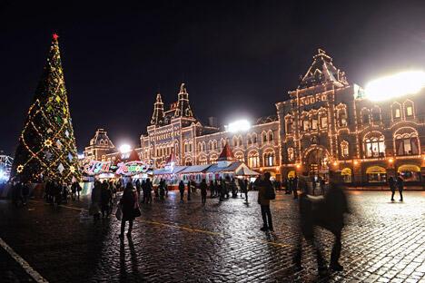 古姆商场夜景。图片来源:俄新社