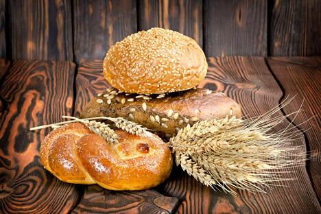 20世纪初期,白面包才在俄罗斯流行起来,但对普通老百姓来说,在很长一段时间内白面包都是节日时才能吃到的特殊面包,是财富和富足的象征。图片来源:Lori/Legion Media