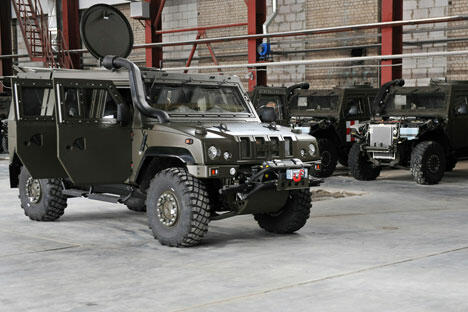 """俄罗斯国防部决定不再购买意大利的依维柯LMV轮式装甲车。该车在俄罗斯被称为""""猞猁""""。图片来源:沃罗涅日州新闻办公室"""