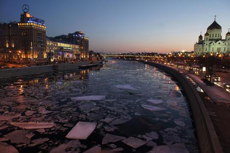 """""""我们实际上已然失去一个季节—春季""""—俄罗斯联邦水文气象和环境监测 局局长亚历山大·弗罗洛夫(Alexandr Frolov)的这番惊人之语一月末在 俄罗斯各媒体迅速传播开来。图片来源:PhotoXPress"""