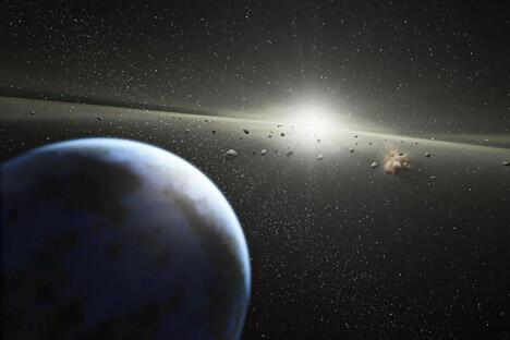 在车里雅宾斯克遭遇陨石袭击几天之后,俄罗斯科学院天文研究所的专家 们说,他们已经联合俄罗斯航天系统的专家们制定了防御太空威胁联邦计划。图片来源:AFP