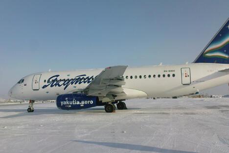 本周六晚,即3月2日,该客机将首次执行雅库茨克至北京的飞行任务。雅库特航空公司至北京和哈尔滨的航班为每周一次。图片来源:俄罗斯报