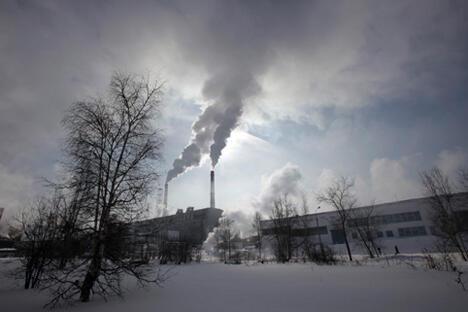 贝加尔纸浆造纸联合企业多年来一直因污染贝加尔湖而备受指责。图片来源:PhotoXPress