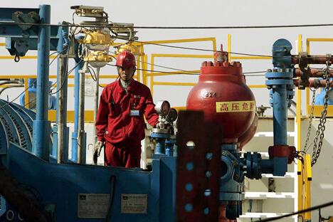 俄中油企加快谈判进程 俄罗斯将增加对华油气供应量。图片来源:AP