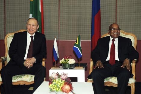 尽管3月27日在南非德班闭幕的第五届金砖国家领导人峰会不能让人记住其每个细节,但各成员国在经济、政治和金融领域仍然取得了重要成就。图片来源:Reuters