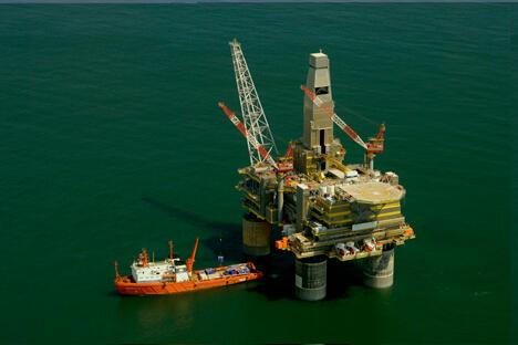 俄罗斯石油公司依然坚持萨哈林5号的运作,并评估其拥有5.6千万吨石油。该公司预 计在2017年开始在该产地进行生产。摄影:Russian.dissident/Wikipedia
