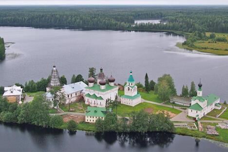阿尔汉格尔斯克州,安东涅沃-斯伊斯基修道院。摄影:aerialphoto.ru网站