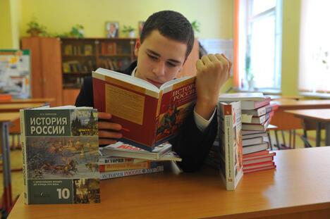 俄政府将重新编写中学历史教科书引发历史学家争议。图片来源:PhotoXPress