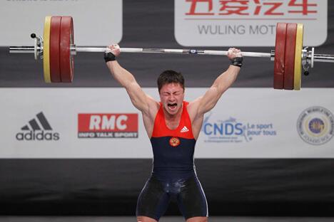 图中:获得本次举重欧锦赛冠军的俄罗斯运动员奥列格·陈。图片来源:LegionMedia