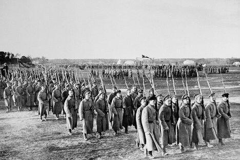 1918年5月1日的第一次红军阅兵。