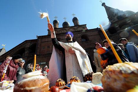 拥有宗教信仰和享受正常生活是人们不可剥夺的权利,其它因素往往无法左右。图片来源:AFP