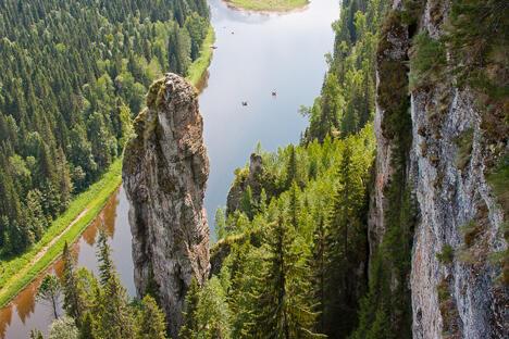 乌西瓦河位于彼尔姆边疆区,属丘索瓦亚河的右支流,河道全长266公里,流域面积6,170平方公里,河流在每年11月至5月初结冰,丘索沃伊位于乌西瓦河和丘索瓦亚河的汇流处。图片来源:Lori / Legion Media