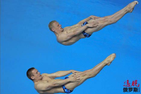 扎哈罗夫/库兹涅佐夫在喀山第27届大运会抢金。图片来源:俄新社