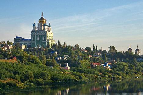 俄罗斯拜占庭式升天大教堂。图片来源:strana.ru