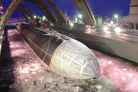 布拉瓦(Bulava)洲际弹道导弹又一次发射失败之后,俄罗斯国防部长谢尔盖·绍伊古中止了新型核潜艇的国家测试。图片来源:Press Photo