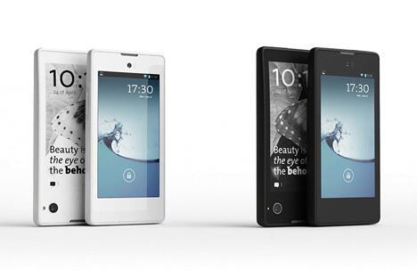 俄罗斯首款尤塔(Yota)智能手机将于11月上市。图片来源:Press Photo