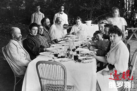 相比同等级的其他贵族家庭,托尔斯泰家族的饮食习惯更为简单普通。这是因为他们不喜欢奢华的宴席。图片来源:俄新社