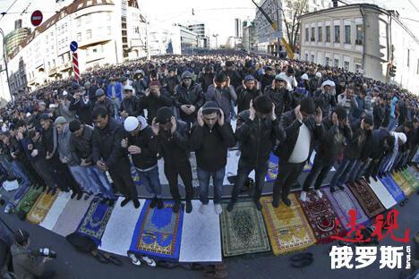 如果穆斯林领袖要挟在全国范围内建立清真寺(如基斯洛沃茨克、秋明、哈巴罗夫斯克),那么俄罗斯怎么能不害怕伊斯兰教?图片来源:Reuters
