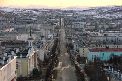 马加丹市列宁大街。来源:Flickr / Магадан