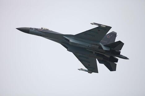 目前T-10(苏-27)平台的最先进机型, 苏-35S歼击机  图片来源: wikipedia/Vitaly V. Kuzmin
